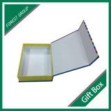 Boîte en forme de livre de couleur rigide avec fermeture magnétique
