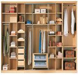 Ikeaの引き戸のベッド部屋のワードローブ