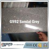 花こう岩新しいカラーG992サンダルの灰色の床タイル、平板、建築材料のための階段