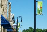 Изготовленный на заказ знамена Поляк столба уличного фонаря встали на сторону двойника печатание цифров, котор для рекламировать