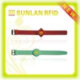 Wristband de RFID com faixas ajustáveis