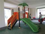 Скольжение малышей для школы, напольной спортивной площадки