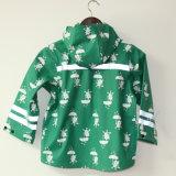 Куртка/плащ дождя PU зеленого кота шаржа отражательные