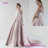ein Hohes-Waisted trägerloses Hochzeits-Kleid mit dem luxuriösen Bördeln