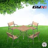 公園のために結合される屋外表および椅子