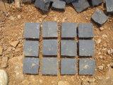Ciottoli di pietra cubici rossi cinesi poco costosi della pietra del cubo della pietra per lastricati del granito e del porfido