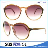 Primi occhiali da sole rotondi del Ce UV400 di disegno dell'Italia della copia retro