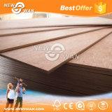 Madeira compensada comercial de Okoume da madeira da fábrica de Linyi para a mobília