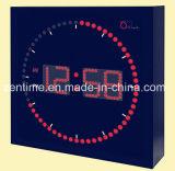 Horloge de mur de DEL Digital avec coloré dans la forme carrée