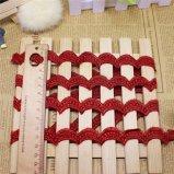 Borduurwerk dat van de Polyester van het Kant van het Borduurwerk van de Breedte van Voorraad het In het groot 2cm van de fabriek Buitensporig Chemisch Kant voor de Decoratie van de Toebehoren van Kledingstukken & van de Textiel & van de Gordijnen van het Huis in orde maakt