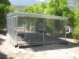 Heißer Verkaufs-preiswerte dreifache Hundehundehütte mit Zufuhr-Speicher und festem Stab-Lack-Läufer
