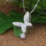 Ожерелье формы бабочки стерлингового серебра женщин 925 привесное с цепью