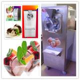 Schmackhafte harte Eiscreme mit schönem Eiscreme-Hersteller