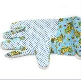 Перчатки руки работы ладони чистки кухни тумака хлопка поставленные точки PVC