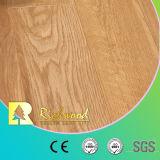8.3mmのビニールの板HDFのカシのクルミの寄木細工の床は研がれた積層の木製のフロアーリングにワックスを掛けた