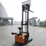 中国の製造業者の上昇の高さの電気範囲のスタッカー1.6ton (CQD16)