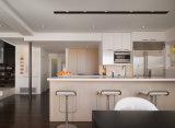 Partie supérieure du comptoir de cuisine de granit et dessus beiges rouillés de vanité