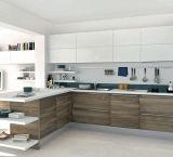 Выполненный на заказ PVC самомоднейшая мебель кухни