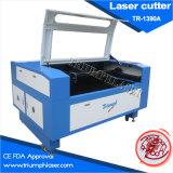 Machine de découpage automatique de laser de textile d'orientation de triomphe