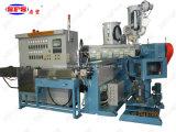 Foto-voltaischer niedriger Rauch null Halogen-Strangpresßling-Maschine
