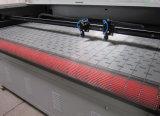 Leder-und Kleid-doppelte Kopf-Laser-Ausschnitt-Maschine mit Selbstzufuhr 180*1000mm