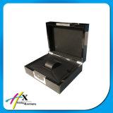 De madeira luxuosos da pintura preta lustrosa escolhem a caixa de presente de empacotamento do relógio