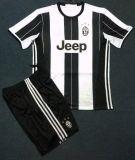 Kits de 2016/2017 de la estación balompié de Juventus, uniforme del fútbol
