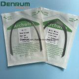 L'arco ortodontico di Denrum collega termicamente i collegare elettricamente rotondi di Actived Niti