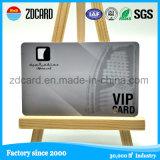 Fondo de plata de la impresión del PVC con las tarjetas grabadas del número