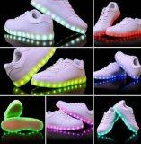 O diodo emissor de luz Running colorido do esporte do estilo 2016 novo calç sapatas luminosas da fluorescência