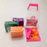 赤ん坊の子供の競争のおもちゃのための粘土モデル