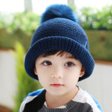 子供の子供の男の子の女の子の男女兼用のTamiによって編まれるのどの毛皮POM POMは暖める冬の帽子のSkulliesの帽子の帽子(HW609)を