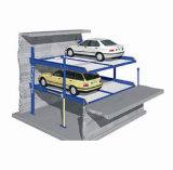 Dois parques do carro do equipamento da garagem do borne auto que estacionam no poço