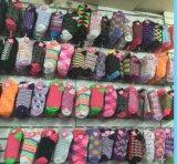 Chinesische Fabrik passen alle Arten Männer `S und Frauen `S Socken an
