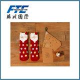 Baumwollmaterial kundenspezifische Winter-Stickerei-preiswerte Weihnachtssocken