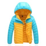 Os vestuários ao ar livre, esqui da marinha tosam para baixo o revestimento do inverno para o homem