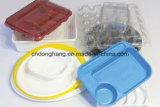 Plastikkappe und Tellersegment, die Maschine herstellt