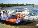 浮遊ボートのドックのポンツーンの浮遊物