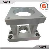 Il CNC che lavora le parti alla macchina di alluminio/motociclo parte il cestino della frizione