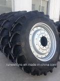 La parte radial agrícola pone un neumático 520/85r42 520/85r38