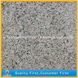 中国の敷石のタイルのための最も安いG383真珠の花の薄い灰色の花こう岩