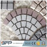 Il granito esterno del reticolo cuba la pietra del ciottolo per i lastricatori del passaggio pedonale
