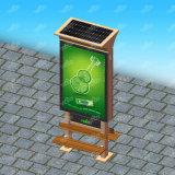 Solar Energy im Freienbekanntmachenstehender heller Kasten