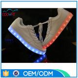 ほとんどの普及した様式LEDは人のズック靴をつける