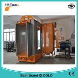Attraversare l'alloggiamento del rivestimento della polvere con le cartucce di filtro