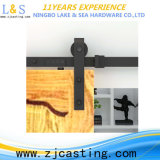 Porta de celeiro de madeira de venda popular com ferragem