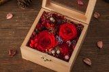 De houten Doos van de Gift van de Bloem voor de Gift van de Dag van de Valentijnskaart