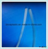 Catéter médico de la insignia de la protuberancia del plástico del lumen triple suave de encargo disponible del PVC