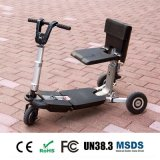 TransformableスマートなFoldable三輪車の電気スクーターによって、流行の移動性の折るスクーターは、電気スクーターがゴルフをする