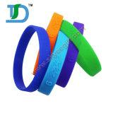 Nuovo braccialetto venente del silicone dei Wristbands del braccialetto del silicone con il catenaccio del metallo
